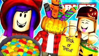 TRICK OR TREATING SIMULATOR IN ROBLOX! BEWARE OF THE SCARY DOORS!