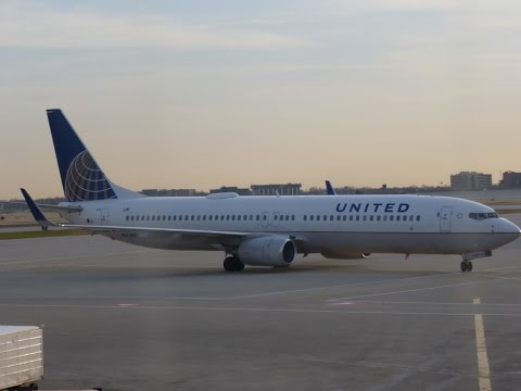 United Airlines UnitedFirst (B737-900) Chicago ORD- Orlando MCO video report (Apr 2014)