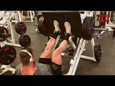 chris bumstead training legs 2017