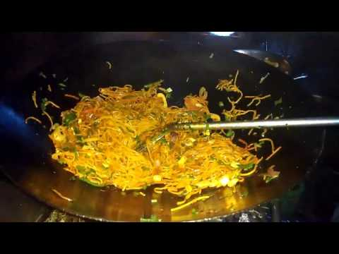 Singapuri Chowmein - Indian Street Food