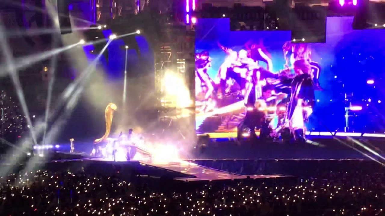 Taylor Swift - Look what you made me do - reputation Stadium Tour Intro / reptour Tokyo