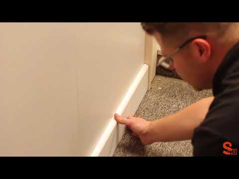 How to join two pieces of skirting board on a flat wall