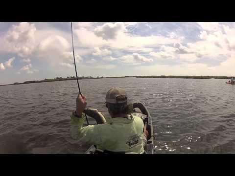 Catching an Alligator Gar in a Kayak