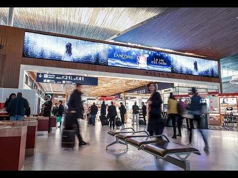 La Place Digitale at Paris CDG T2E | JCDecaux Airport Paris