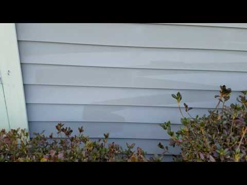 How not to clean (oxidized) siding.