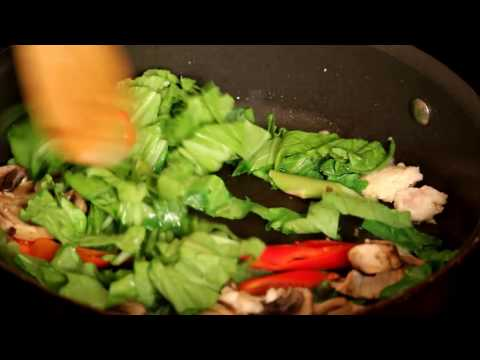 Rice Noodles Stir-Fry With Vegetable And Chicken