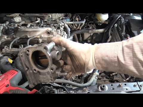 P4/19. How to replace Engine Step by Step Toyota Corolla. Years 2007 to 2018. Part 4 of 19