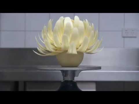 Kirsten Tibballs' Chocolate Flower in 15 Seconds | Savour School