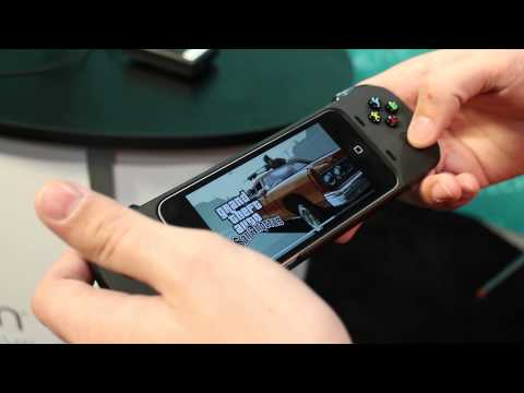 Logitech PowerShell gaming controller for iPhone hands-on [CES 2014]