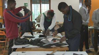 Video: Italy helps integrate asylum seekers through training schemes