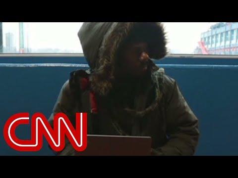 Computer programmer teaches homeless to code