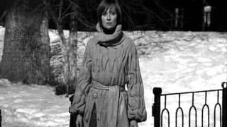 вязаное пальто из фильма год золотой рыбки фото