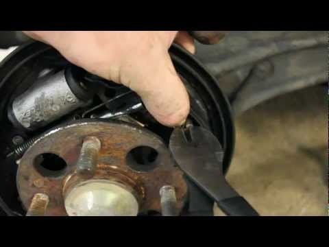 How to Change Rear Brakes Honda Civic 92-95