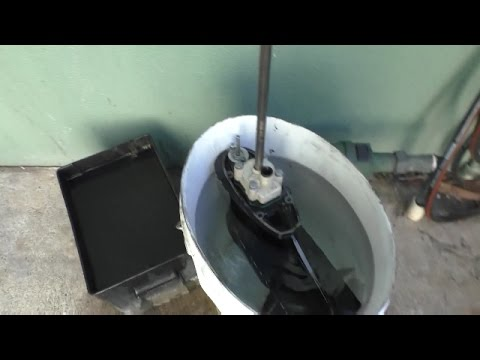 Testing an outboard water pump