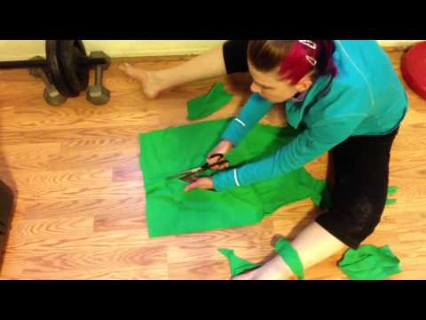 Easy How To Cut Zumba T-Shirt into Halter - No Sewing - Zumba Conference 2013