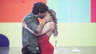 Sertanejo Bruninho, da dupla com Davi, beija Mulher Melão no programa