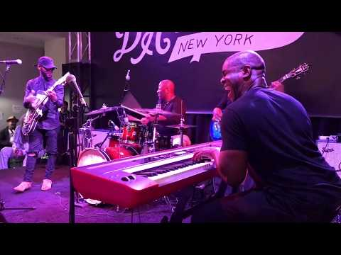 One Of The FATTEST Grooves I've ever heard LIVE (MUST WATCH) EDDIE BROWN / ERIC WALLS & Comp