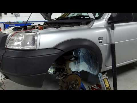How to replace the reverse light gearbox switch on Land Rover Freelander 1