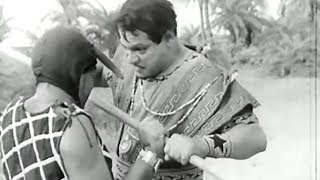 Fight on Beach with Ghost | Fight Scene | Khufia Mahal Hindi Bollywood Classic Movie