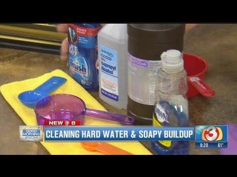 Queen of Clean: DIY ways to clean glass shower doors
