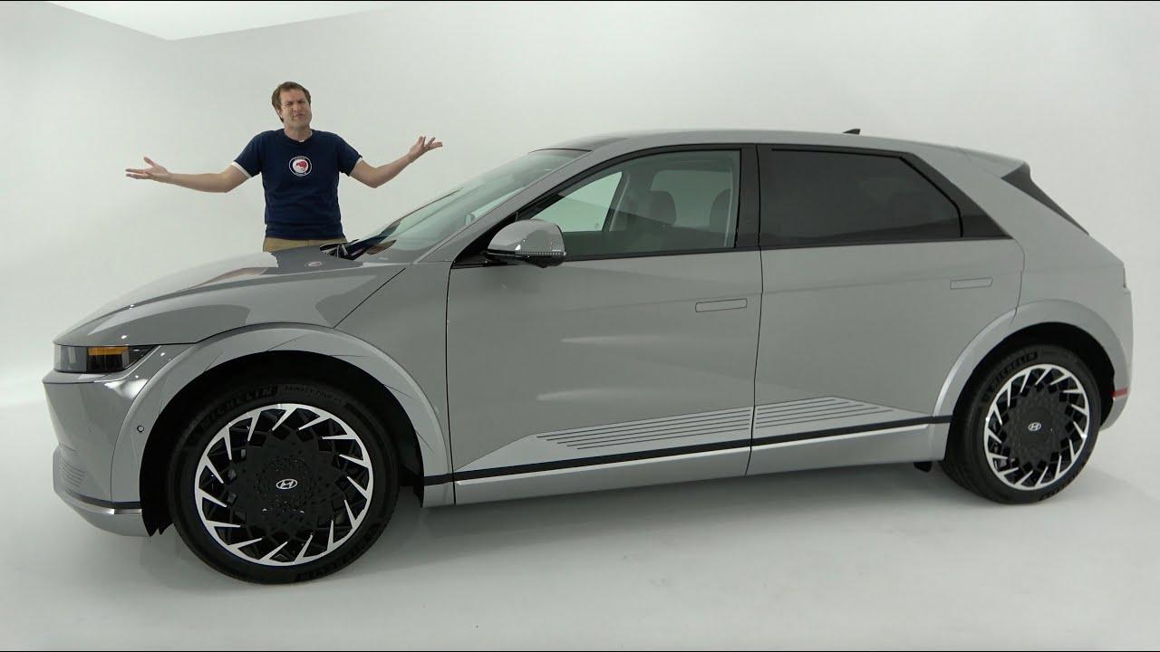 The 2022 Hyundai Ioniq 5 Is a Quirky, Futuristic Electric SUV