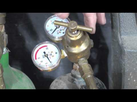 Upgrading the oxyacetylene regulators with new gauges and flashback arrestors