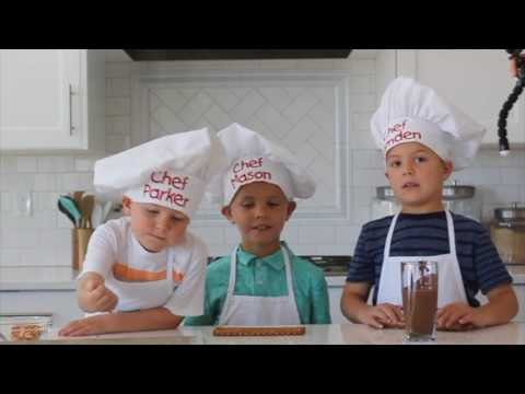 How To Make Chocolate Covered Pretzel Rods - Kids in the Kitchen | Six Sisters Stuff