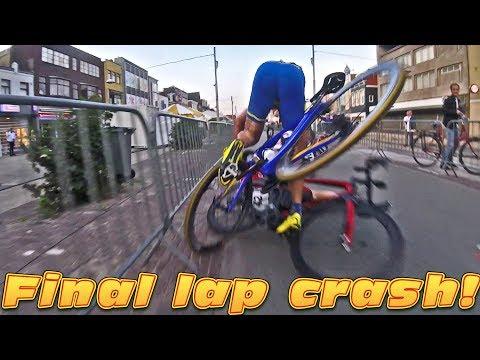 LAST LAP CRASH IN BEVERWIJK! - #cycling