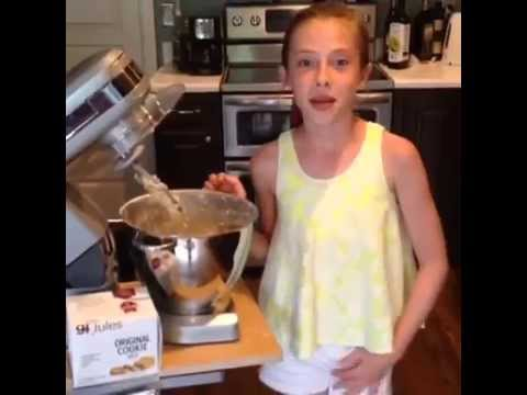 10 year old shows how to make Gluten Free Bar Cookies