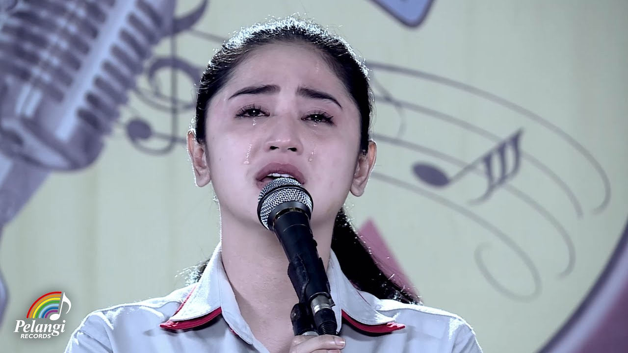 Dewi Perssik - Indah Pada Waktunya (Official Music Video) | Soundtrack Centini Manis