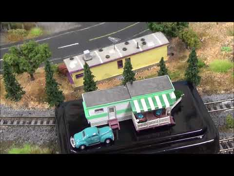 N Scale Review Woodland Scenics BR4950 Grillin' and Chillin'