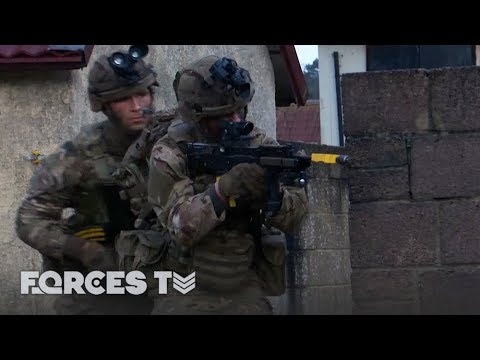 Bomb Disposal During Firefights: EOD For The Marines And Paras | Forces TV