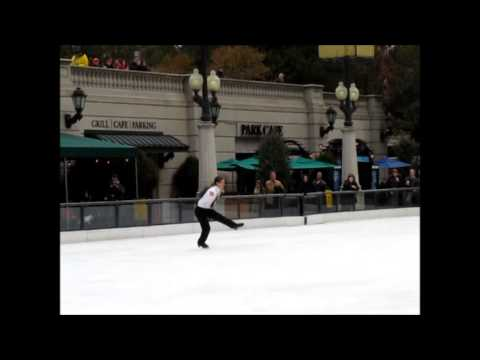 Garrett Kling, McCormick Tribune Ice Rink, Millennium Park 11/15/13