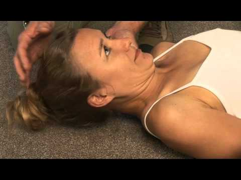How to strengthen neck muscles at home