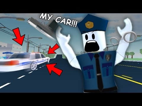 CRIMINALS STEAL MY POLICE CAR | Roblox - The Neighborhood of Robloxia