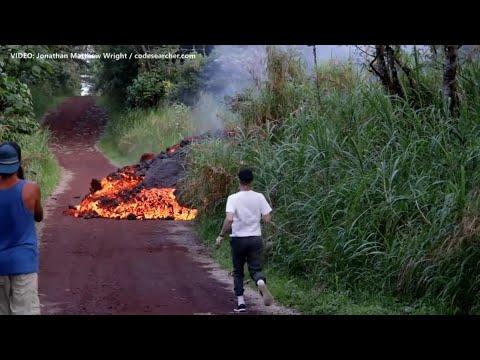 Hawaii volcano: Fast moving lava (June 1 2018)