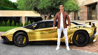 This is How Cristiano Ronaldo Lives...
