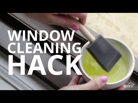 Sears Home Hacks: Cleaning Windows With a Sponge Brush
