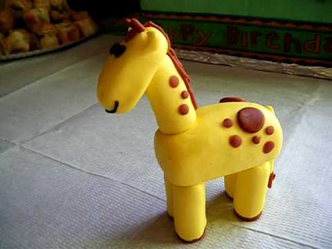 Fondant Giraffe animal for jungle birthday cake
