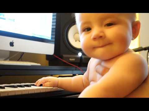Baby Loves Guitar