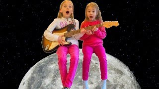 Amelia and Avelina magical guitar adventure to the moon!