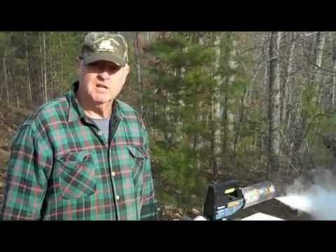 Fatbeeman demonstrates Natural Mite Control with fogger