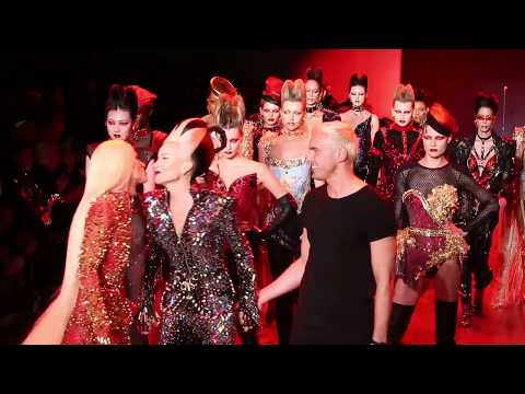 Daphne Guinness Performs at the Blonds Fall 2018 New York Fashion Week Show