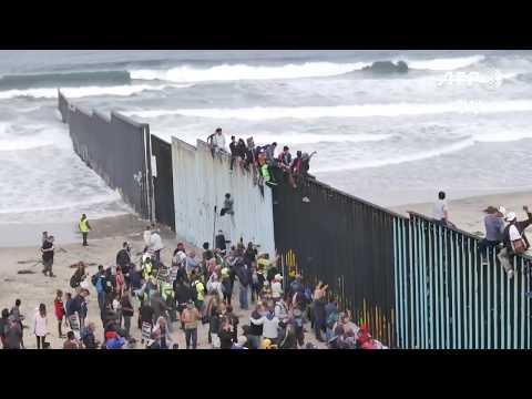 Central American Migrants Reach U.S. Border