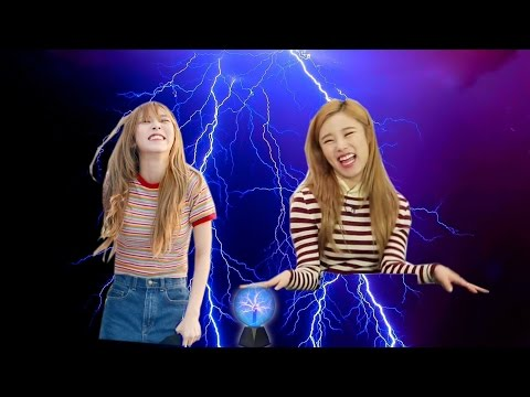 Mamamoo (마마무) - When Static Electricity Attacked Wheein and Moonbyul