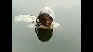 Download Bu Kadın 20 Yıldır Suyun İçinde Yaşıyor. Nedeni Öğrenince Şok Olacaksınız.