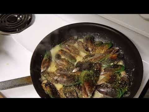 Quick and Easy New Zealand Mussels in Garlic Butter