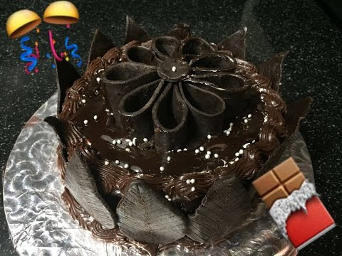 Eggless chocolate cake recipe in hindi with chocolate ganache icing - New year special eggless cake