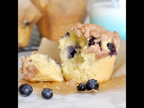 How to Make Bakery-Style Blueberry Crumble Muffins From Scratch by Cooking with Manuela