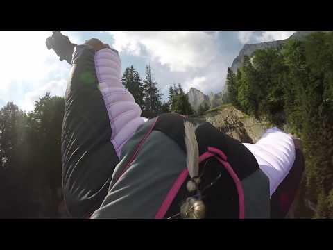 Wingsuit BASE in Switzerland - Fly like a Girl